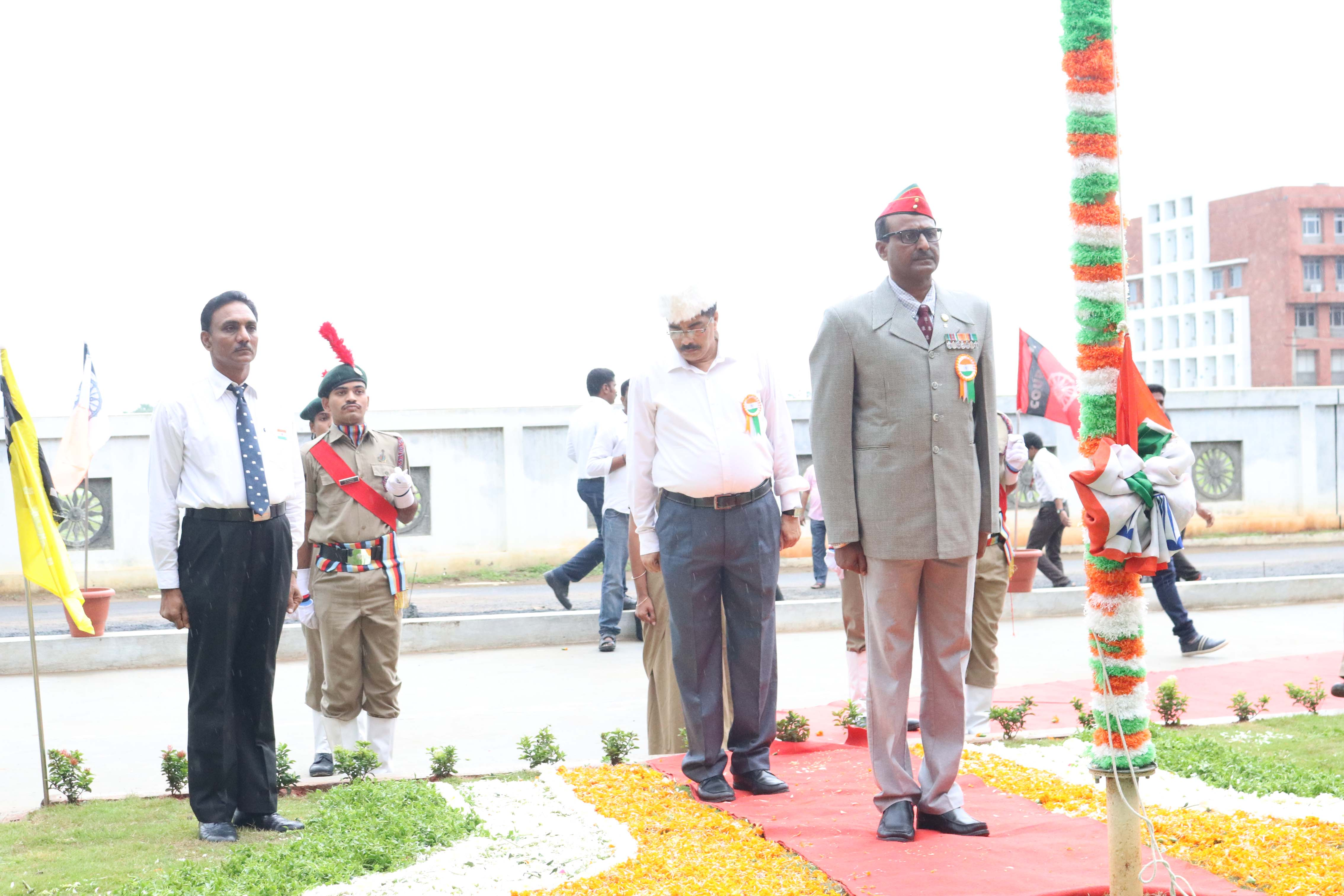 Col Retd Major V.Ravi Sankar at flag hoising 1